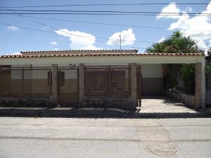 Casa En Venta En Higuerote, Mamporal, Venezuela, VE RAH: 16-4156