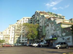 Apartamento En Venta En Maracaibo, Pomona, Venezuela, VE RAH: 16-4153