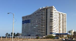 Apartamento En Venta En Margarita, Costa Azul, Venezuela, VE RAH: 16-4381