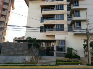 Apartamento En Venta En Maracaibo, La Lago, Venezuela, VE RAH: 16-4219