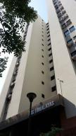 Apartamento En Venta En Valencia, El Bosque, Venezuela, VE RAH: 16-4224