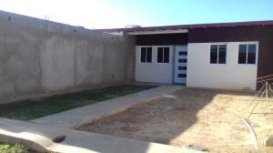 Casa En Venta En Punto Fijo, Guanadito, Venezuela, VE RAH: 16-4238