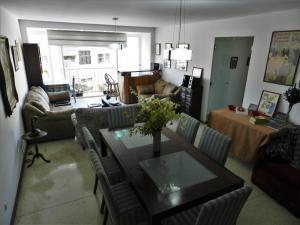 Apartamento En Venta En Caracas - Los Chaguaramos Código FLEX: 16-4260 No.1
