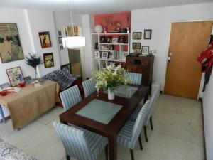 Apartamento En Venta En Caracas - Los Chaguaramos Código FLEX: 16-4260 No.3
