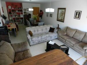 Apartamento En Venta En Caracas - Los Chaguaramos Código FLEX: 16-4260 No.6