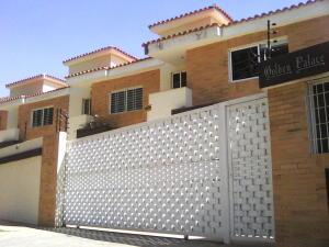 Casa En Venta En Valencia, Trigal Norte, Venezuela, VE RAH: 14-9774