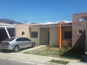 Townhouse En Venta En Municipio San Diego, Sabana Del Medio, Venezuela, VE RAH: 16-4263