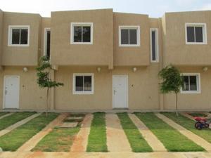 Townhouse En Venta En Maracaibo, La Rotaria, Venezuela, VE RAH: 16-4275