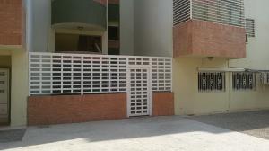 Apartamento En Venta En Punto Fijo, Zarabon, Venezuela, VE RAH: 16-4299