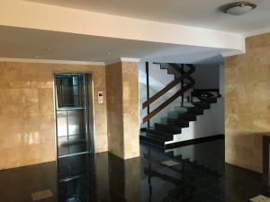 Apartamento En Venta En Maracaibo, Avenida Bella Vista, Venezuela, VE RAH: 16-4351