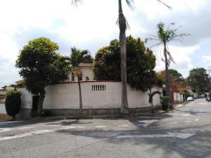 Casa En Venta En Caracas, El Marques, Venezuela, VE RAH: 16-4375