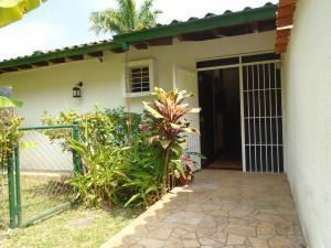 Casa En Venta En Caracas, Oripoto, Venezuela, VE RAH: 16-4414