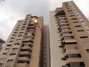 Apartamento En Venta En Caracas, La Floresta, Venezuela, VE RAH: 16-4403