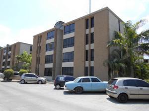 Apartamento En Venta En La Victoria, El Recreo, Venezuela, VE RAH: 16-4417