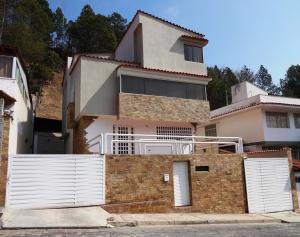 Casa En Venta En Caracas, Lomas De Prados Del Este, Venezuela, VE RAH: 16-4656