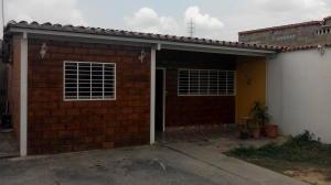 Casa En Venta En Santa Teresa, Centro, Venezuela, VE RAH: 16-4493