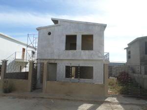 Casa En Venta En Coro, Av Los Medanos, Venezuela, VE RAH: 16-4505