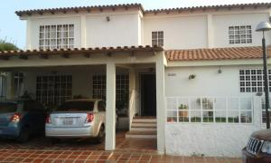 Townhouse En Venta En Maracaibo, La Picola, Venezuela, VE RAH: 16-4537