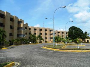 Apartamento En Venta En Higuerote, Higuerote, Venezuela, VE RAH: 16-4550