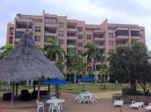 Apartamento En Venta En Rio Chico, Los Canales De Rio Chico, Venezuela, VE RAH: 16-4533