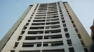 Apartamento En Venta En Valencia, Valles De Camoruco, Venezuela, VE RAH: 16-4600