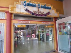 Local Comercial En Venta En Lecheria, Av Americo Vespucio, Venezuela, VE RAH: 16-4572