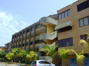 Apartamento En Venta En Higuerote, Higuerote, Venezuela, VE RAH: 16-4595