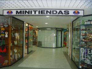 Local Comercial En Venta En Maracaibo, Avenida El Milagro, Venezuela, VE RAH: 16-4646