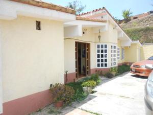 Casa En Venta En San Antonio De Los Altos, Las Polonias Viejas, Venezuela, VE RAH: 16-4655