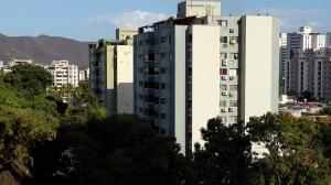 Apartamento En Venta En Valencia, Campo Alegre, Venezuela, VE RAH: 16-4680