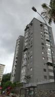 Apartamento En Venta En Caracas, El Cafetal, Venezuela, VE RAH: 16-4696