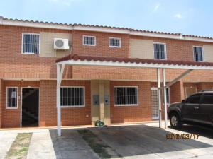 Townhouse En Venta En Municipio San Diego, Sabana Del Medio, Venezuela, VE RAH: 16-4739