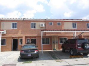 Townhouse En Venta En Municipio San Diego, Sabana Del Medio, Venezuela, VE RAH: 16-4740