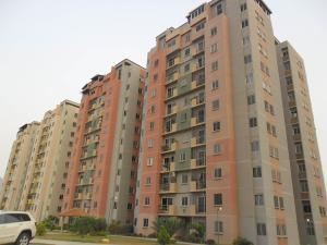 Apartamento En Venta En Municipio San Diego, Montemayor, Venezuela, VE RAH: 16-4798