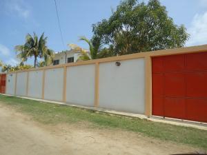 Casa En Venta En Chichiriviche, Playa Norte, Venezuela, VE RAH: 16-4802