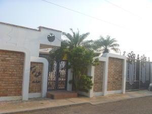 Casa En Venta En Maracaibo, La Picola, Venezuela, VE RAH: 16-4805