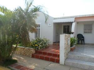 Casa En Venta En Coro, Villa Maria, Venezuela, VE RAH: 16-4813