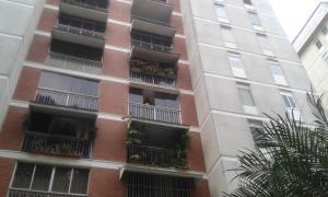 Apartamento En Venta En Caracas, Santa Eduvigis, Venezuela, VE RAH: 16-4863