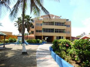 Apartamento En Venta En Boca De Aroa, Boca De Aroa, Venezuela, VE RAH: 16-4943