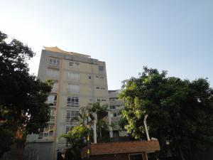 Apartamento En Venta En Caracas, Los Naranjos De Las Mercedes, Venezuela, VE RAH: 16-4962