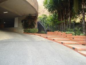 En Venta En Caracas - Lomas de La Alameda Código FLEX: 16-4968 No.1