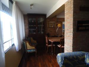 En Venta En Caracas - Lomas de La Alameda Código FLEX: 16-4968 No.7