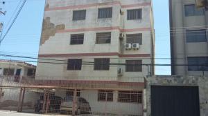 Apartamento En Venta En Margarita, Porlamar, Venezuela, VE RAH: 16-4999