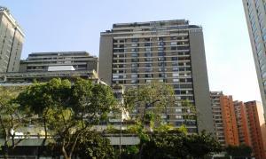 Apartamento En Venta En Caracas, Prado Humboldt, Venezuela, VE RAH: 16-5002