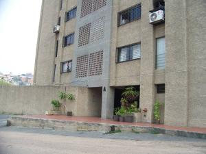 Apartamento En Venta En Guarenas, Guarenas, Venezuela, VE RAH: 16-5018