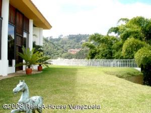 Casa En Venta En Caracas, La Lagunita Country Club, Venezuela, VE RAH: 16-5042