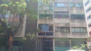 Apartamento En Venta En Caracas, Las Acacias, Venezuela, VE RAH: 16-5065