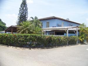 Casa En Venta En Guatire, El Castillejo, Venezuela, VE RAH: 16-5070