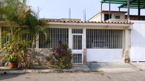 Casa En Venta En Municipio San Diego, Bosqueserino, Venezuela, VE RAH: 16-5082