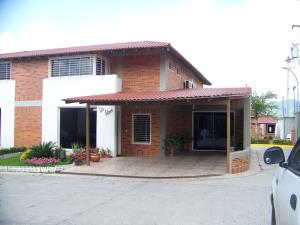 Casa En Venta En Guatire, El Castillejo, Venezuela, VE RAH: 16-5166